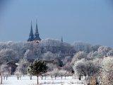 Wieże kościoła w Mokrelipie