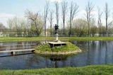 Figurka św. Antoniego na wodzie w Radecznicy